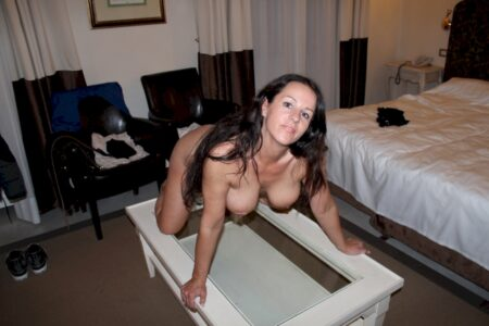 Adopte une cougar sexy très coquine