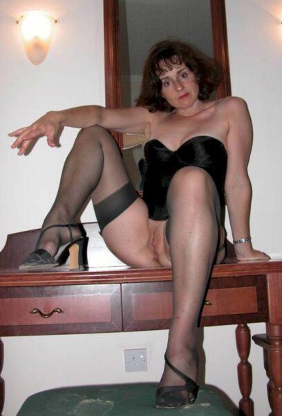 Femme cougar sexy soumise pour homme domi