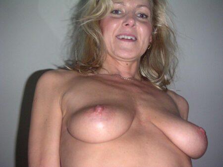 Femme mature soumise pour mec domi
