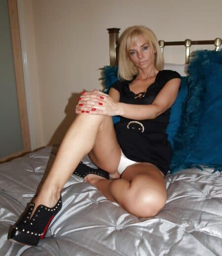 Je cherche un mec chaud pour faire un plan sexe sur le Jura