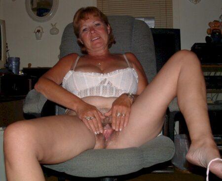 Passez une nuit torride avec une femme adultère