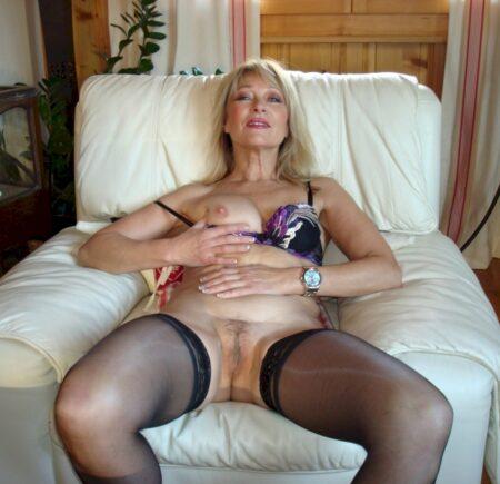 Pour un rendez-vous de sexe sans tabou avec une femme cougar